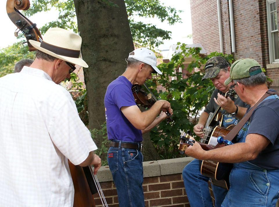Fiddlers jam session